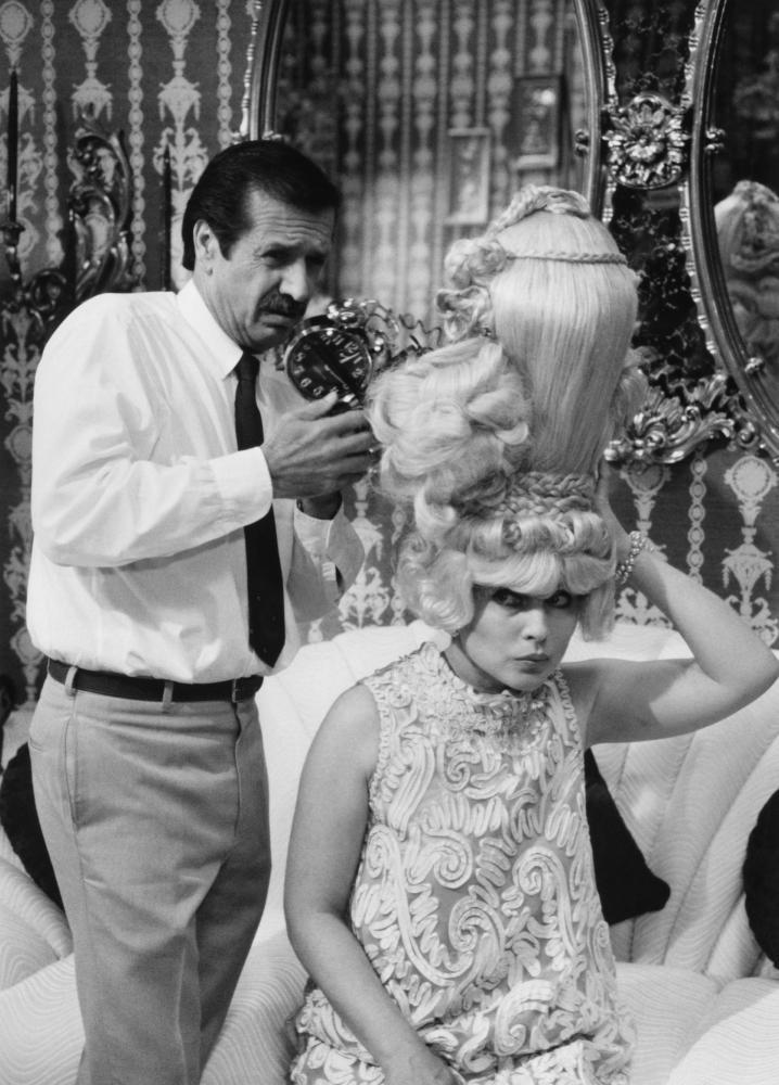 HAIRSPRAY, Sonny Bono, Debbie Harry, 1988, (c)New Line Cinema