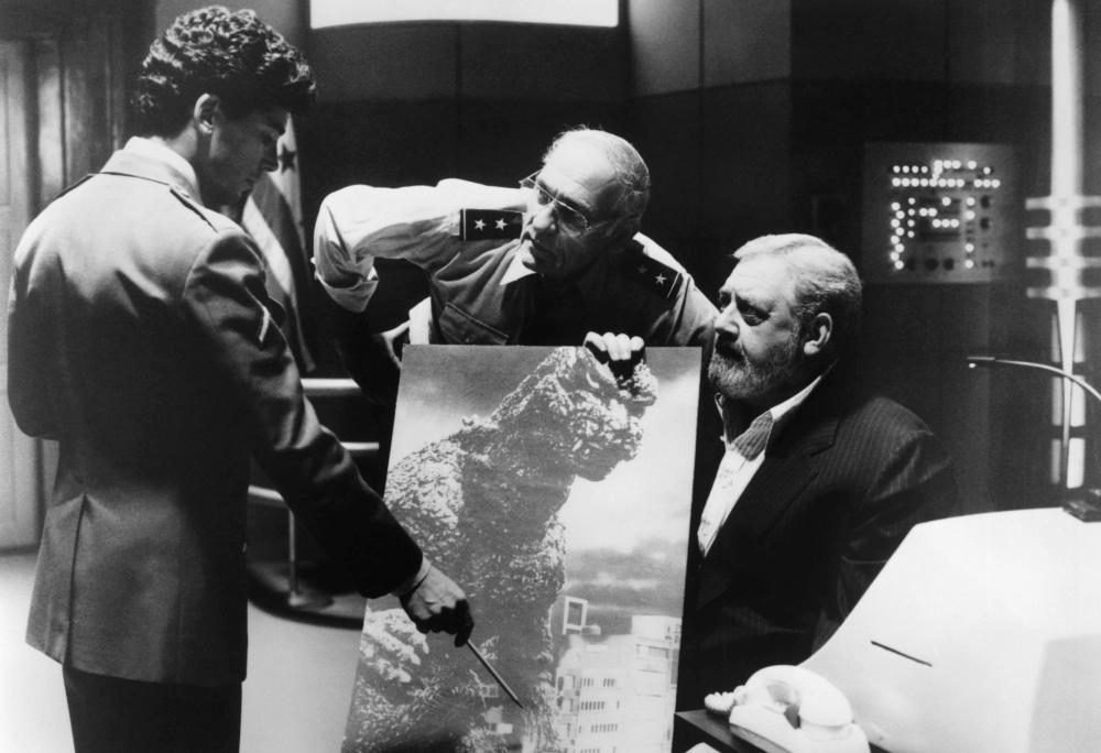 GODZILLA 1985  Raymond Burr   far right   1985   169 New Line CinemaRaymond Burr Godzilla