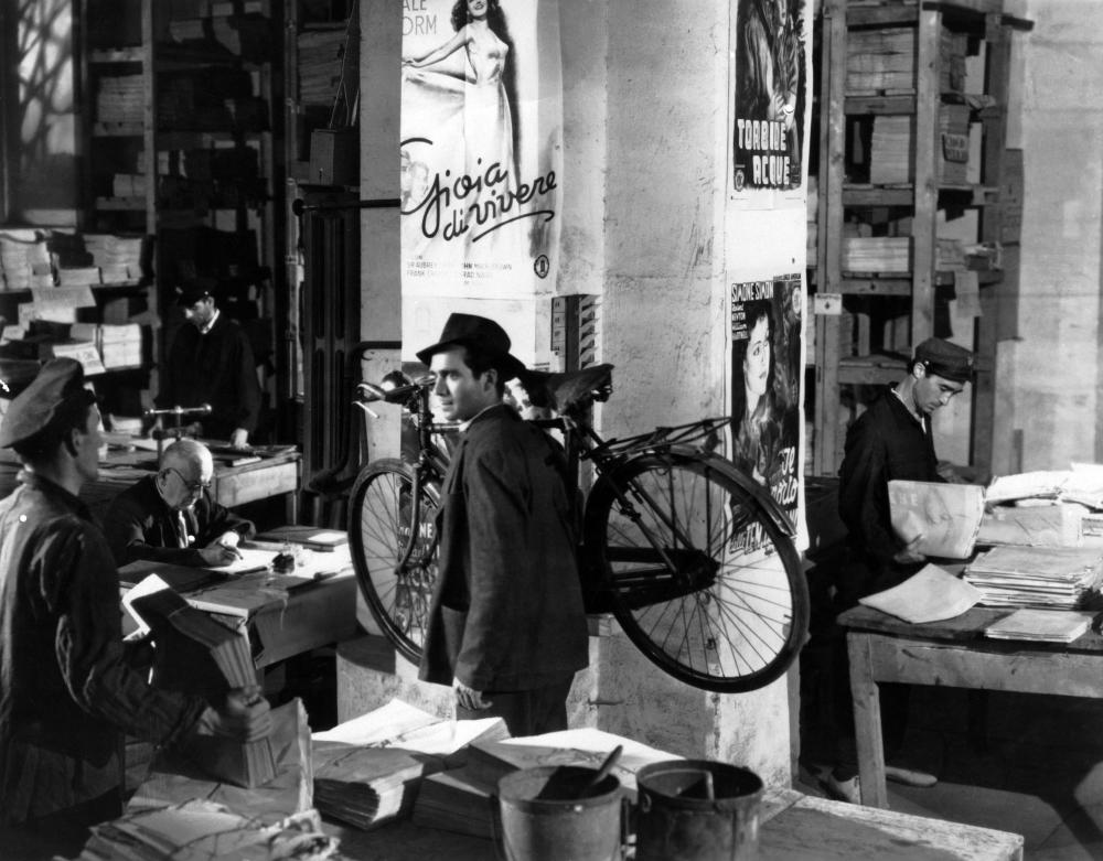 analysis of bicycle thief 1948 Since then, it has gradually come to be better known as bicycle thieves, and the bicycle thief is fading away if you've seen the film,  in april 1948,.