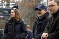WAR OF THE WORLDS, producer Kathleen Kennedy, director Steven Spielberg, cinematographer Janusz Kaminski on set, 2005, (c) Paramount