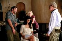 VICKY CRISTINA BARCELONA, from left: Javier Bardem, Penelope Cruz, Scarlett Johansson, director Woody Allen, on set, 2008. ©Weinstein Company