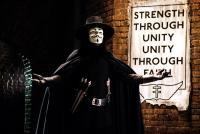 V FOR VENDETTA, Hugo Weaving, 2006, ©Warner Bros.