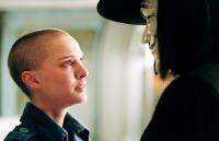 V FOR VENDETTA, Natalie Portman, Hugo Weaving, 2006, ©Warner Bros.