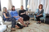 THE MEDDLER, from left: Lucy Punch, Casey Wilson, Sarah Baker, Susan Sarandon, 2015. ph: Jaimie Trueblood/© Sony Pictures Classics