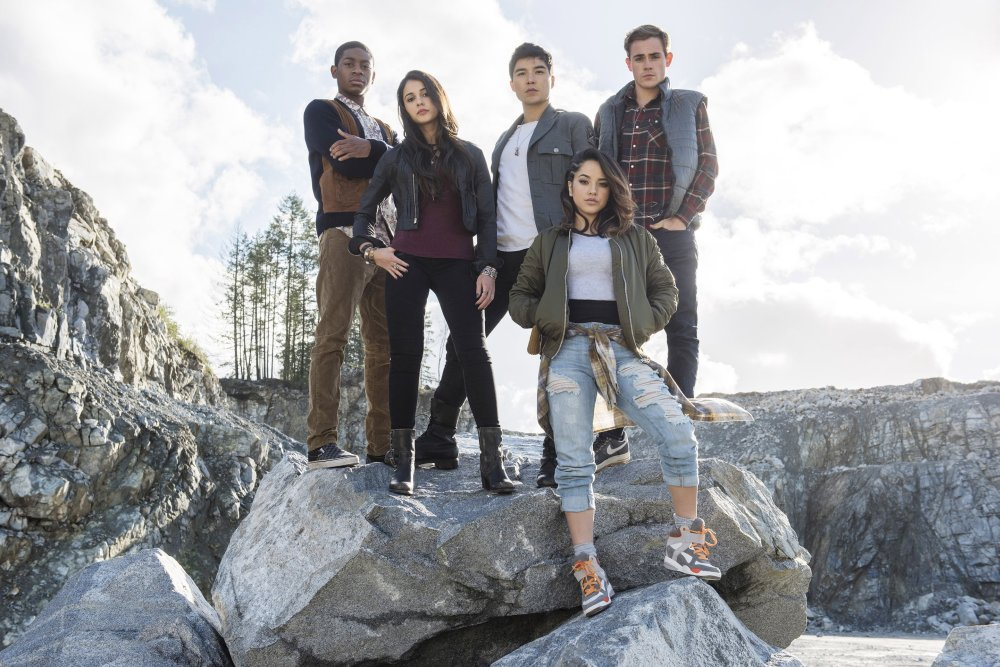 POWER RANGERS, From left: RJ Cyler, Naomi Scott, Ludi Lin, Becky G., Dacre Montgomery,  2017. ph: Kimberly French/© Lionsgate