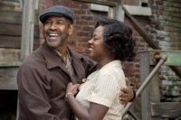 FENCES, from  left, Denzel Washington, Viola Davis, 2016, ph: David Lee, © Paramount