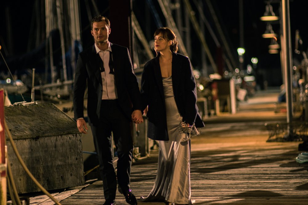 FIFTY SHADES DARKER, L-R: JAMIE DORNAN, DAKOTA JOHNSON, 2017. PH: DOANE GREGORY/©UNIVERSAL PICTURES