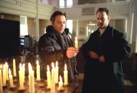 ROAD TO PERDITION, Director Sam Mendes, Tom Hanks on the set, 2002, (c) DreamWorks