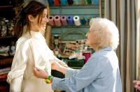 THE PROPOSAL, from left: Sandra Bullock, Betty White, 2009. Ph: Sam Emerson/©Walt Disney Studios Motion Pictures