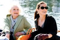 THE PROPOSAL, from left: Betty White, Sandra Bullock, 2009. Ph: Kerry Hayes/©Walt Disney Studios Motion Pictures