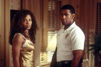 OUT OF TIME, Sanaa Lathan, Denzel Washington, 2003, (c) MGM