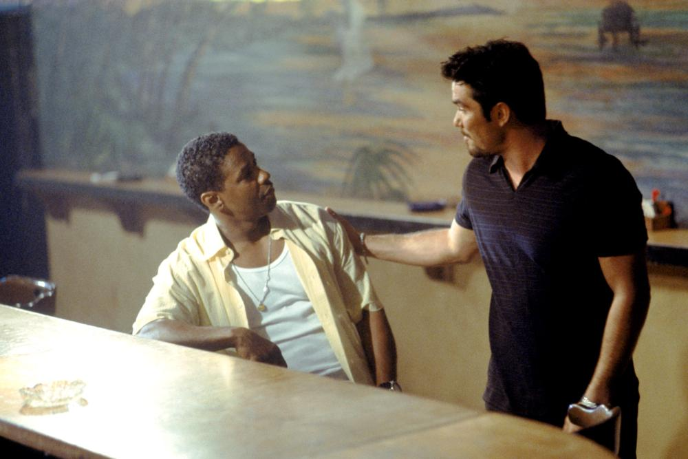 OUT OF TIME, Denzel Washington, Dean Cain, 2003, (c) MGM