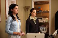 THE ANSWER MAN, (aka ARLEN FABER), from left: Lauren Graham, Olivia Thirlby, 2009. ©Magnolia