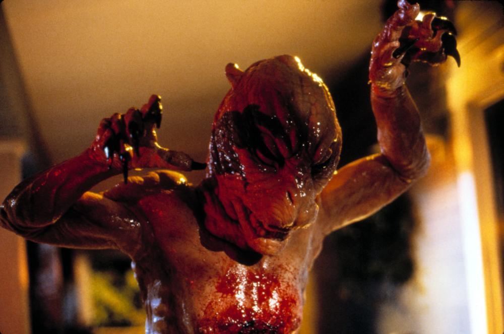 Sleepwalkers (1992) Review | Horror Movie