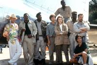CONGO, Joe Pantoliano, Ernie Hudson, Dylan Walsh, Laura Linney, Tim Curry, Grant Heslov (crouching), 1995, (c)Paramount