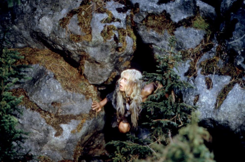 daryl hannah cave bear sex