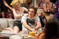 GREENBERG, Brie Larson (left), Ben Stiller (center of frame), Juno Temple (back), 2010. ph: Wilson Webb/©Focus Features