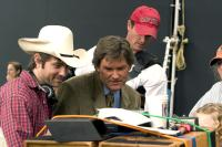 DREAMER:INSPIRED BY A TRUE STORY, John Gatins (director), Kurt Russell, on set, 2005, (c) DreamWorks