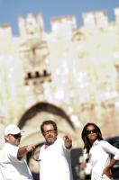 MIRAL, from left: producer Jon Kilik, director Julian Schnabel, Freida Pinto, on set, 2010. ph: Jose Haro/©Weinstein Company