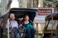 THE BEST EXOTIC MARIGOLD HOTEL, from left: Judi Dench, Celia Imrie, 2012. ph: Ishika Mohan/TM and ©Copyright Fox Searchlight Pictures.