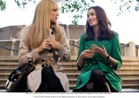 "Kate Hudson and Anne Hathaway in ""Bride Wars"""