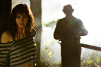 TEXAS CHAINSAW 3D, from left: Alexandra Daddario, Dan Yeager, as Leatherface, 2013. ©Lionsgate