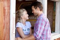 SAFE HAVEN, l-r: Julianne Hough, Josh Duhamel, 2013, ph: James Bridges/©Relativity Media
