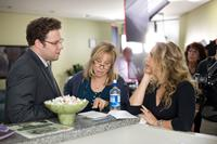 THE GUILT TRIP, from left: Seth Rogen, Barbra Streisand, director Anne Fletcher, on set, 2012. ph: Sam Emerson/©Paramount Pictures
