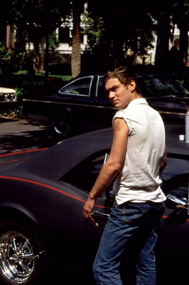 Pre douche jude law swamplandia pinterest jude law and law for Imdb midnight in the garden of good and evil