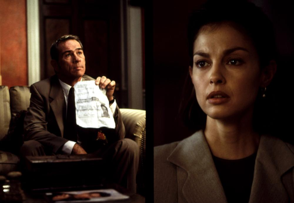mis en scene in double jeopardy 1999 Double jeopardy (1999) official trailer - ashley judd movie hd a woman framed for her husband's murder suspects he is still alive as she has already been tried for the crime, she can't be re-prosecuted if she finds and.