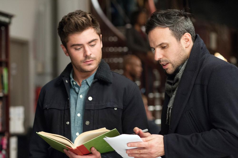 THAT AWKWARD MOMENT, from left: Zac Efron, director Tom Gormican, on set, 2014. ph: Nicole Rivelli//©Focus Features