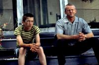 CRAZY IN ALABAMA, Lucas Black, David Morse, 1999, sitting on the front steps