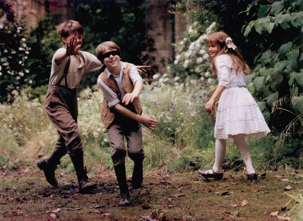 THE SECRET GARDEN, from left, Andrew Knott, Heydon Prowse, Kate Maberly, 1993, ©Warner Bros.