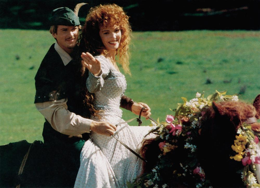 ROBIN HOOD: MEN IN TIGHTS, from left, Cary Elwes, Amy Yasbeck, 1993, TM & Copyright ©20th Century Fox Film Corp.