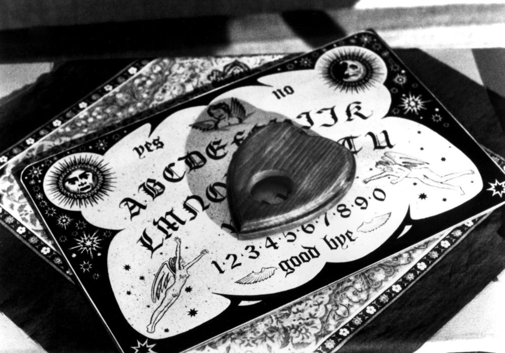 WITCHBOARD, Ouija board, 1987